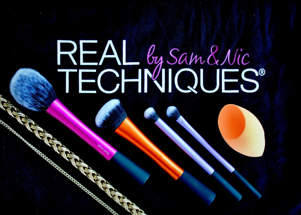 REAL TECHNIQUES PARTY